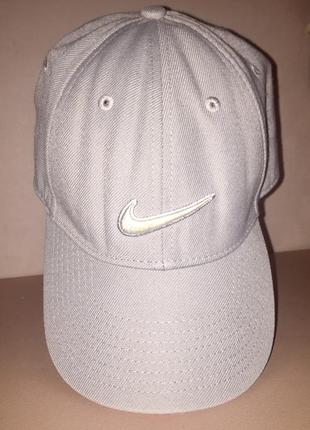 Серая бейсболка кепка «nike»