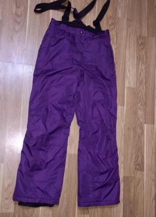 Лыжные штаны на рост 146-152 см.