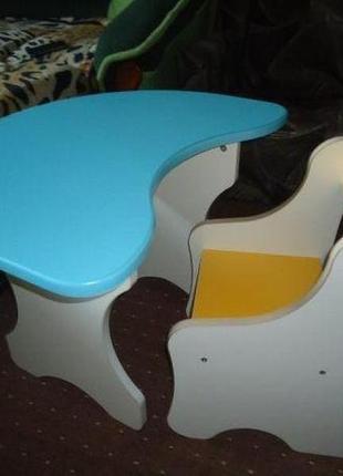 Детский столик +стульчик.