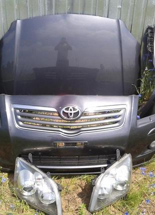 Б/у Фара левая, правая Toyota Avensis 2004-2008