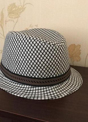Шляпа парню на 54-55