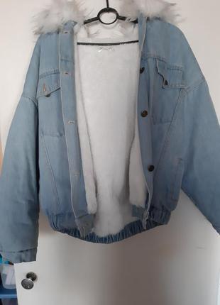 Джинсовая теплая куртка,бомбер