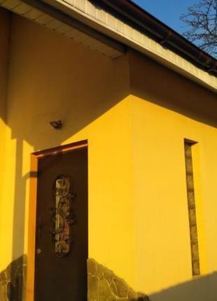 Продам комфортный дом-81м.кв, с.Крюковщина, центр,тихая улица.