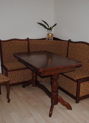 Обеденный раздвижной стол с уголком и стульями