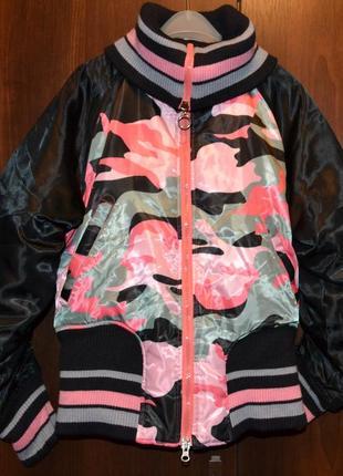 Яркая демисезонная куртка, бомбер  размер м