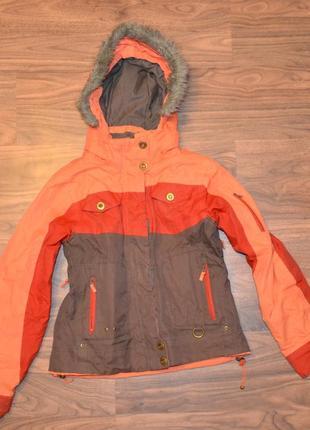 Лыжная куртка р.146-152 см, есть лыжные штаны.