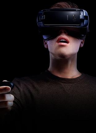 Очки виртуальной реальности SAMSUNG Gear VR + controller