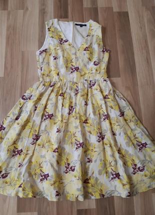 Летнее желтое льнянное платье в цветочный принт