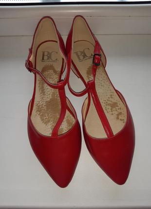 Кожаные удобные балетки босоножки туфли мюлли с закрытой пятко...