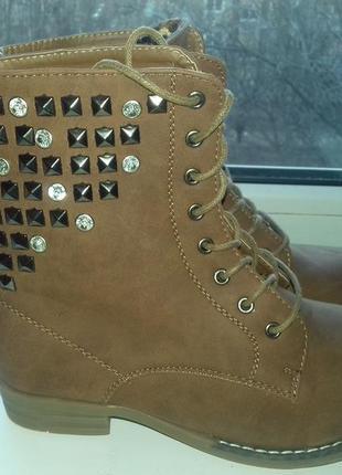 Новые ботинки 36р