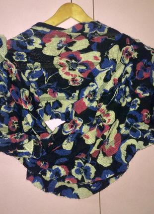 Яркий мягкий шарф чёрный в фиалках