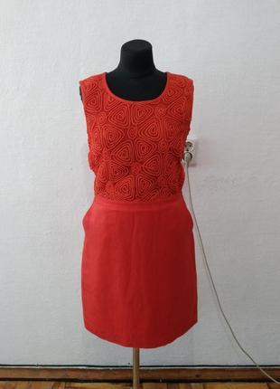 Стильное яркое льняное платье