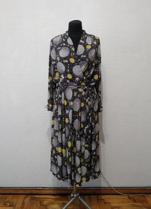 Стильное шелковое платье миди большого размера