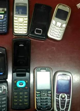 Лот мобільних телефонів NOKIA LG SAMSUNG SIEMENS