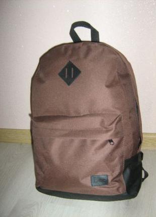 Рюкзак подойдет в школу, или на тренировки