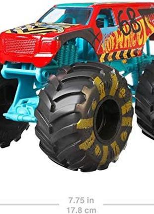 Hot wheels monster trucks demo 1:24