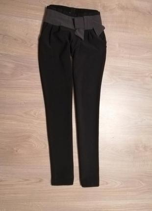 Распродажа! черные стрейчевые зауженные брюки