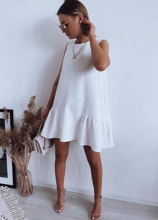 Платье прямого кроя без рукавов, оверсайз, белое, черное