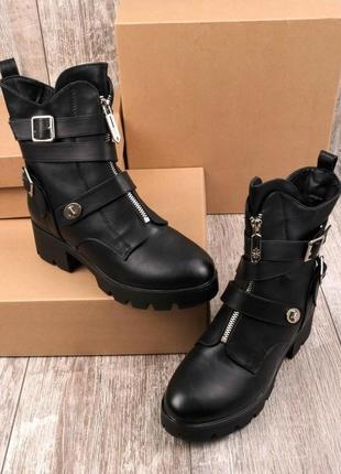 Женские черные ботинки на широком каблуке(зима)