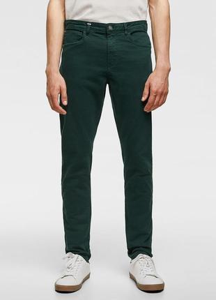 Зеленые брюки чинос zara