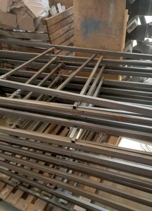 Кровать двухъярусная на металлическом каркасе