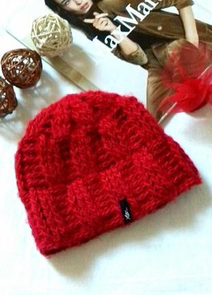 Тёплая шапка крупной вязки