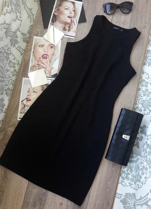 Базовое черное платье футляр