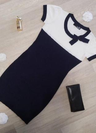 Трикотажное мини - платье love moschino.