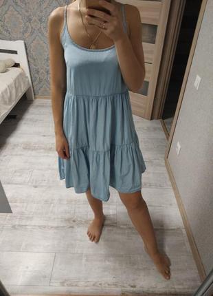 Красивое летнее джинсовое платье сарафан