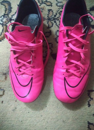 Бутсы Nike Mercurial ( срочно)