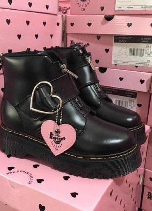 Шикарные женские ботинки dr. martens low buckle
