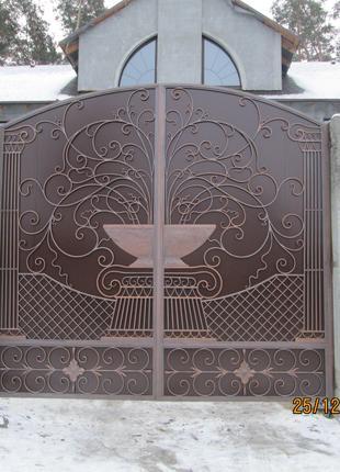 Кованые заборы, ворота, калитки.
