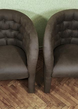 Новые мягкие кресла из замши цвета кофе