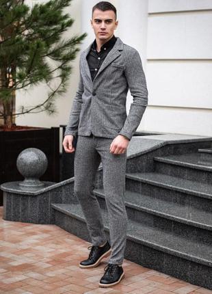 Мужской деловой костюм в ассортименте