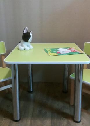 Стол и два стула. Столик. Стульчик.