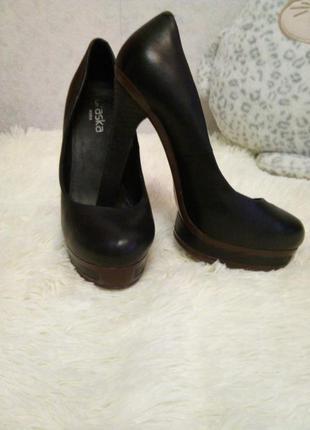 Туфли высокий каблук