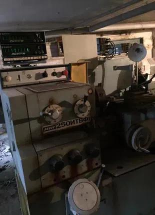 Токарно-винторезный станок ИЖ250ИТВФ1