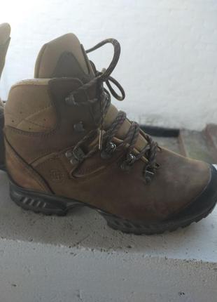 Трекинговые ботинки hanwag