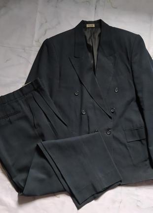 Шикарный классический костюм деловой