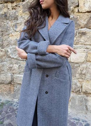 Серое пальто на осень- весну