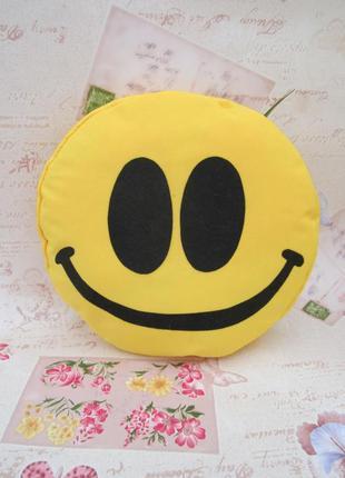 Декоративная подушка эмоджи улыбка