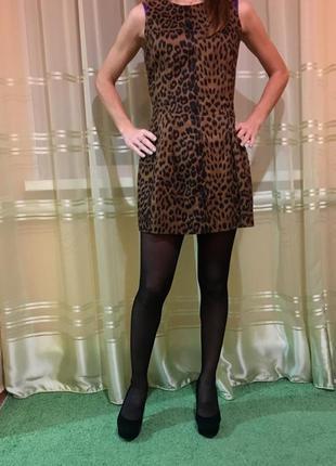 Стильное женские платье мини в модный принт