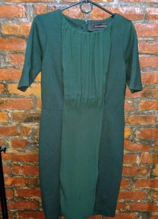 Платье из плотного костюмного трикотажа моделирующего фигуру b...