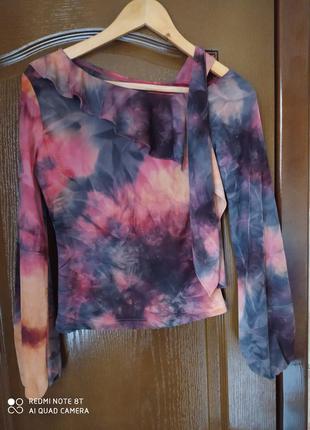 Нежная весенняя блузка оригинального кроя р.46-44-48 пог 48см