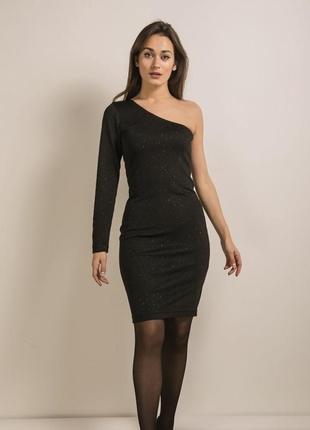 Праздничное платье на одно плечо