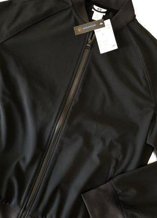 Черная куртка бомбер h&m sport !