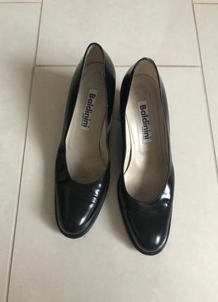 Туфли кожаные демисезонные дорогой бренд италии baldinini разм...
