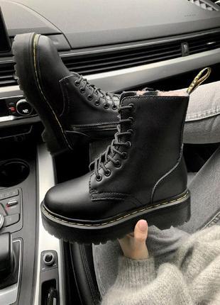 Шикарные женские зимние ботинки мартинс на платформе dr.marten...