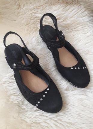 Кожаные туфли с перфорацией и открытой пяткой eacth 39 размер