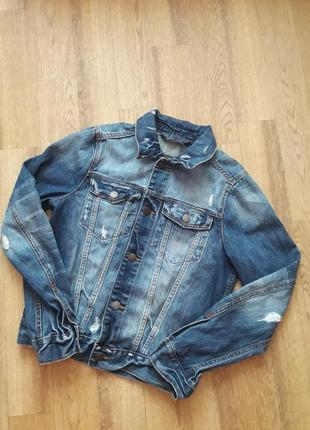 Джинсовая куртка пиджак с потертостями hollister